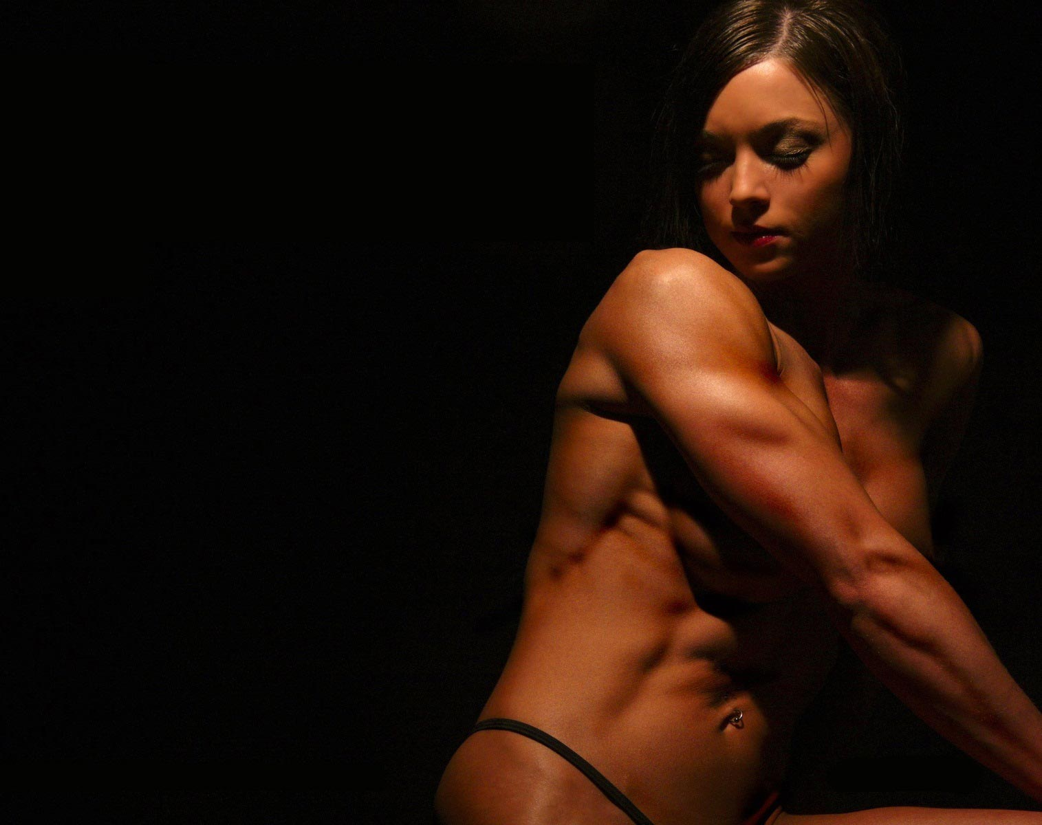 Muscles in the shadow 10 Fitness Babes Wallpapers