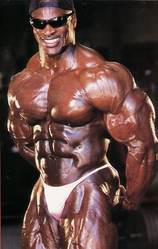 Ronnie Coleman posing
