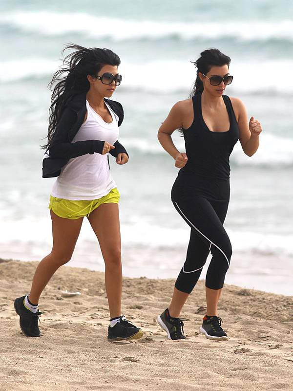 Kim and Kourtney Kardashian Workout