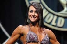 Alessandra Pinheiro at the Arnold Classic Amateur Comtetition