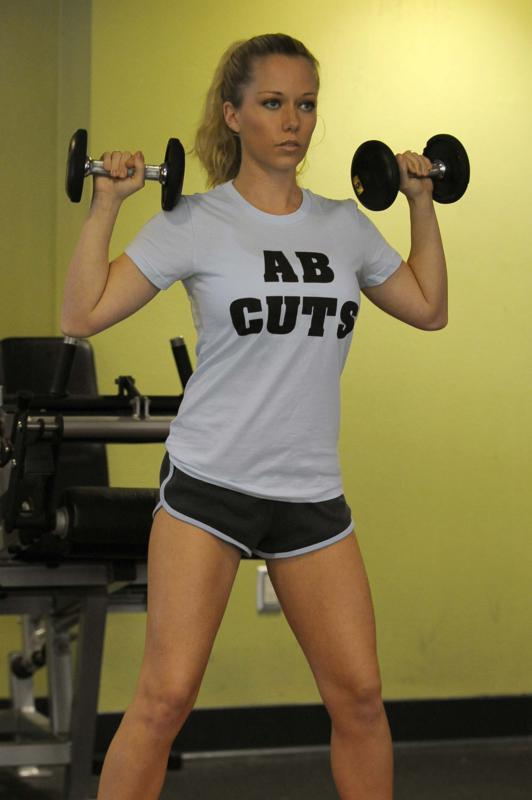 Kendra Wilkinson Works Out