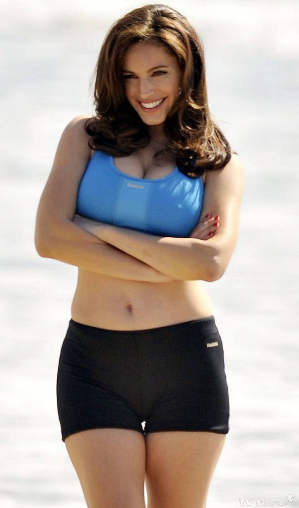 Kelly Brook Beach Workout
