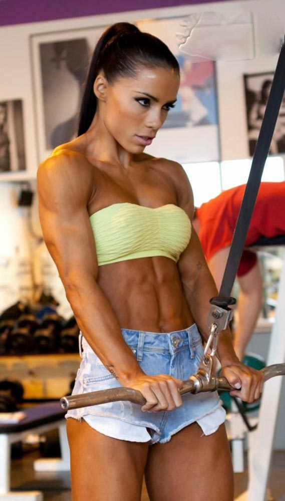 http://www.trainbodyandmind.com/wp-content/uploads/2012/09/01.Andreia-Brazier-fitness-model.jpg
