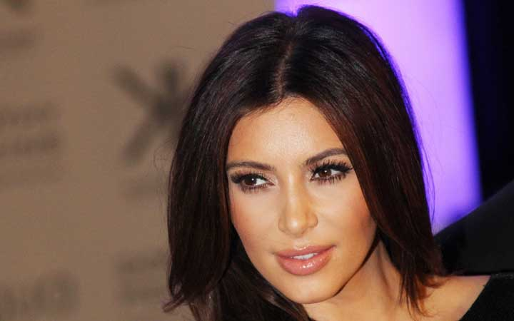 Is the Pregnant Kim Kardashian Again Encased in a too Small Dress?
